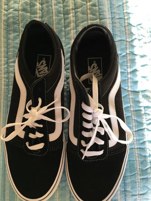 Black and white old school vans for Sale in Naples, FL