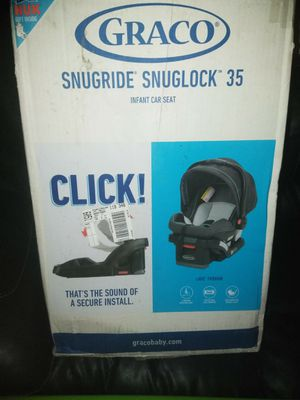 Graco snugride and snuglock 35 infant car seat for Sale in Milwaukee, WI