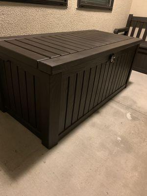 150 Gallon Deck Box (Brown) for Sale in Laguna Beach, CA
