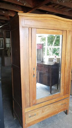 Armoire antique for Sale in Vancouver,  WA