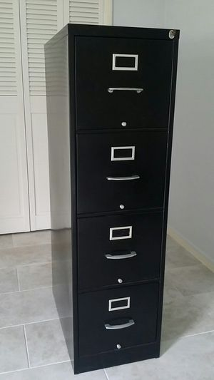 METAL shelf cabinet with LOCK for Sale in Clearwater, FL
