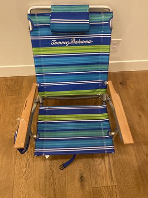 Tommy Bahama Classic 5 Position Backpack Beach Chair. 250lb Weight Limit NEW for Sale in Litchfield Park, AZ