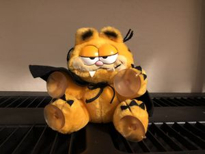 Garfield Vampire Plush Stuffed Animal for Sale in Chandler, AZ