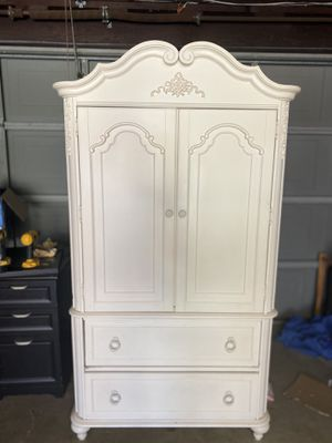 Dresser for Sale in West Covina, CA