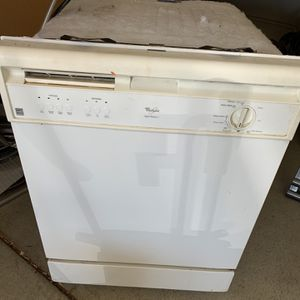 Whirlpool dishwasher for Sale in Riverbank, CA