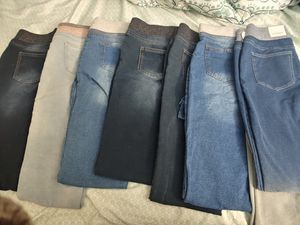 Arizona Jeggings. in great condition. size 16.5 junior. 7 pairs for Sale in Mechanicsville, VA