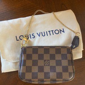 Louis Vuitton Pochette for Sale in Oswego, IL