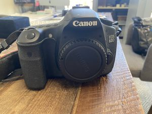 Canon 60d dslr camera not working/for parts for Sale in Houston, TX