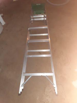 Werner 6 foot aluminum ladder for Sale in Peoria, IL