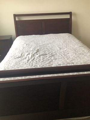 Queen Sleigh Bed frame. Solid Wood. for Sale in Alexandria, VA