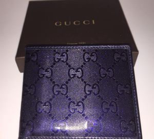 GUCCI MENS NAVY BLUE GG WALLET W/BOX for Sale in Phoenix, AZ