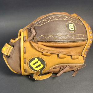 "WILSON A044011-BR 11 1/2"" SOFTBALL FASTPITCH GLOVE RH PLAYER(GOES ON LEFT HAND) for Sale in Riverside, CA"