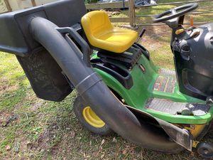 John Deere 100 6.5 bushel twin bag grass catcher for 42-in tractor for Sale in Seminole, FL