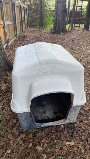 Outdoor Dog House for Sale in Conroe, TX
