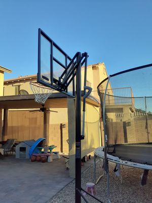 Basketball hoop from costco for Sale in Tolleson, AZ