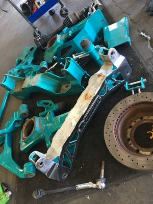 Mcgaughy 7-9 inch lift complete with shocks and track bars for rear for Sale in Selma, CA