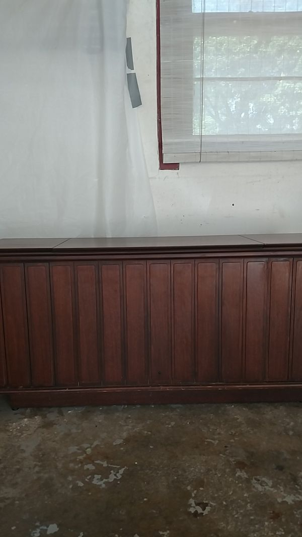 Mid Century Modern Console Stereo/Record Player