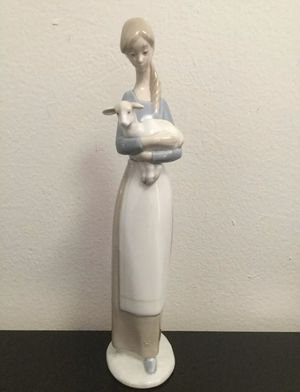 Lladro 4505 Girl With Lamb Figurine 11'' Tall, MINT for Sale in Brooklyn, NY