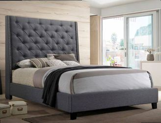 Queen Bed Frame Mattress No Included Check Description for Sale in Pomona,  CA