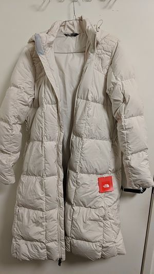 Northface Women's Parka size L for Sale in Los Angeles, CA