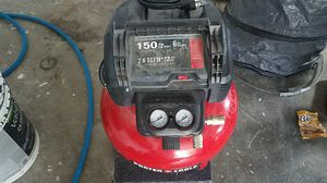 Air compressor with hose for Sale in Marysville, WA
