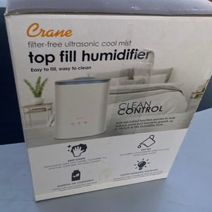 Crane Filter-Free Cool Mist Top Fill Humidifier for Sale in San Jacinto, CA