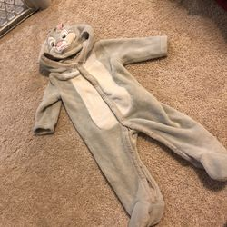 Disney Bugs Bunny 3-6 month baby outfit for Sale in Grayslake,  IL