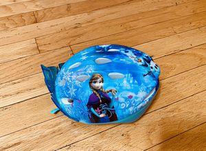 Frozen kids helmet with Kiara for Sale in Chicago, IL