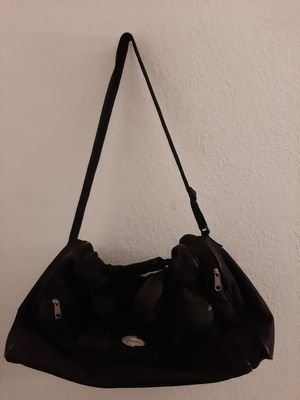 Concourse black duffle gym bag for Sale in Fontana, CA