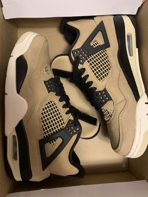 WMNS JORDAN 4 IV SIZE 5Y for Sale in Kent, WA