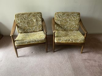 Set Of MSM Chairs for Sale in Upland,  CA