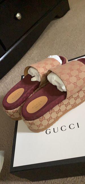 GUCCI Women's Original GG slide sandal for Sale in Pikesville, MD