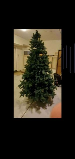 7.5 ft Artificial Christmas tree for Sale in Temecula, CA