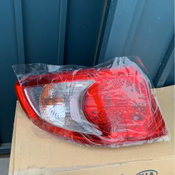 Headlight For Hyundai Santa Fe 2007 for Sale in Paramount,  CA