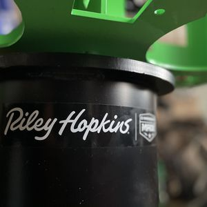 Riley Hopkins 6 Color 4 Station Screen Printer for Sale in Tustin, CA