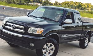 Impecable 2OO5 Toyota Tundra 4WDWheels Great for Sale in Kansas City, MO