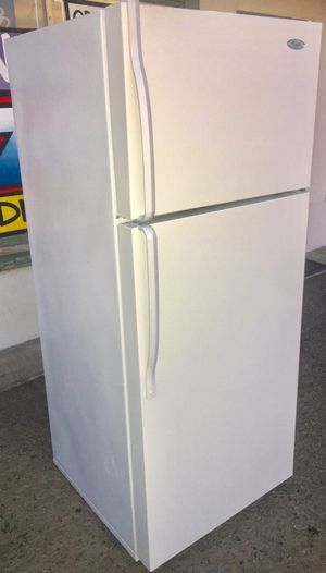 18 cu ft Whirlpool Refrigerator for Sale in Denair, CA