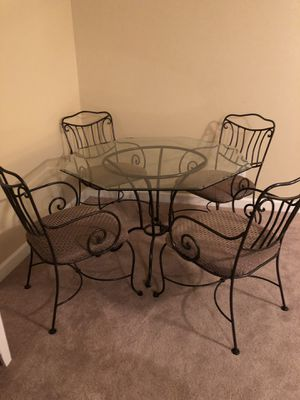Dining room glass top table for Sale in Franklin, TN