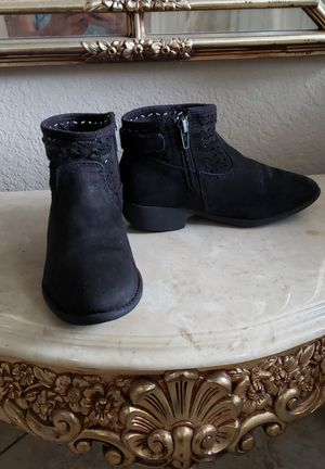 American Eagle Girl's boots size 13 for Sale in Fontana, CA
