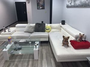 White tufted faux leather sectional couch for Sale in Smyrna, GA