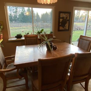 Kitchen Table And Chairs for Sale in Tumwater, WA
