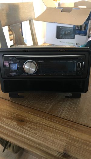 Alpine Stereo CDE-SXM145BT Bluetooth capability and Sirius XM for Sale in Yorba Linda, CA