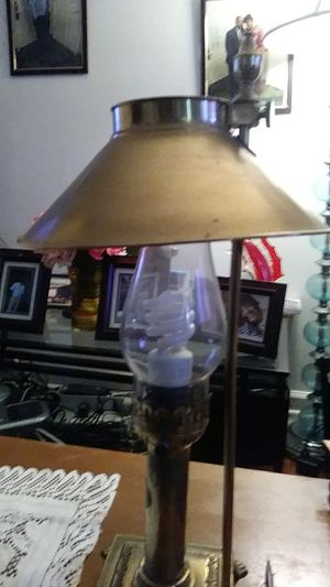 Antic lampe brass & copper for Sale in MONTGOMRY VLG, MD