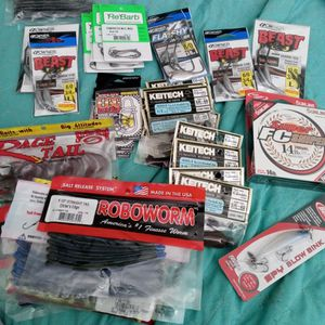 Fishing Gear Bate Hooks Etc... for Sale in Santa Monica, CA