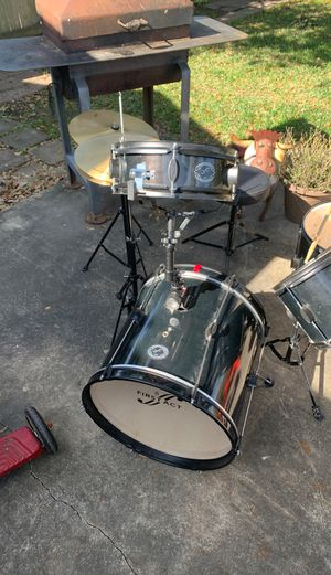 First Act (7) Piece Drum Set (including seat as 1 piece) $100 OBO for Sale in Beaumont, TX