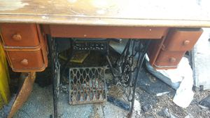 Antique Singer sewing table for Sale in Baltimore, MD