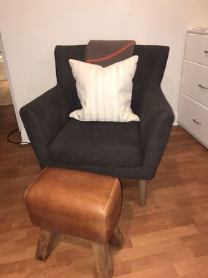 Grey Arm Chair for Sale in Chicago, IL