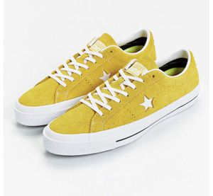 One Star Converse mustard yellow for Sale in Los Angeles, CA