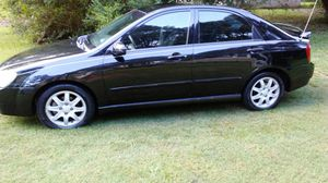 2006 Kia spectra very dependable 5 speed Ac an heat wit new tires no engine light on emissions ready for Sale in Douglasville, GA