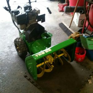 John Deere Snowblower for Sale in Niagara Falls, NY